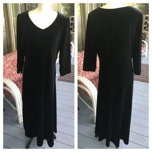 ❤️❤️GORGEOUS TALBOTS long velour black dress